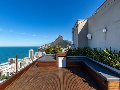 Photo for Rio004-Breathtaking penthouse with private pool in Leblon