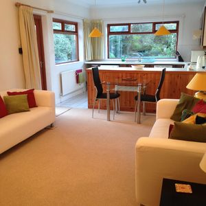 Photo for Spacious Self Contained Appt, Fri/Sat 24 hour Tube line 7 mins walk, Parking