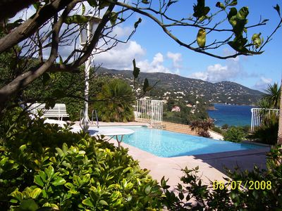 Photo for VILLA SWIMMING POOL OVERLOOKING PANORAMIC SEA and bay of PRAMOUSQUIER