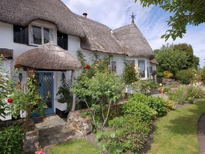 Photo for Appletree Cottage, BOVEY TRACEY