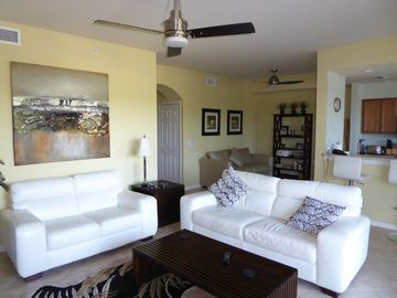 Contemporary High Spec Condo in of One of Naples' Top Golf Communities
