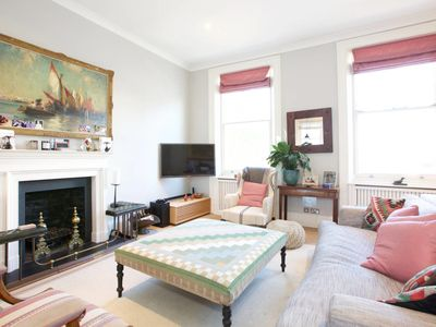 Photo for Elegant 3 bed apartment next to West Brompton Tube