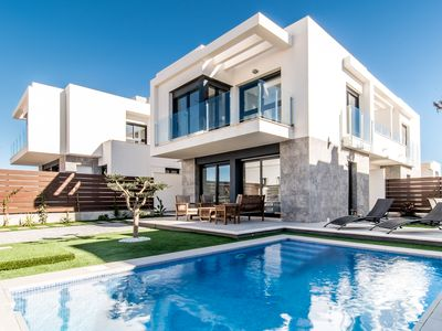 Photo for Sunny modern new villa (max. 6 pers.) With private pool