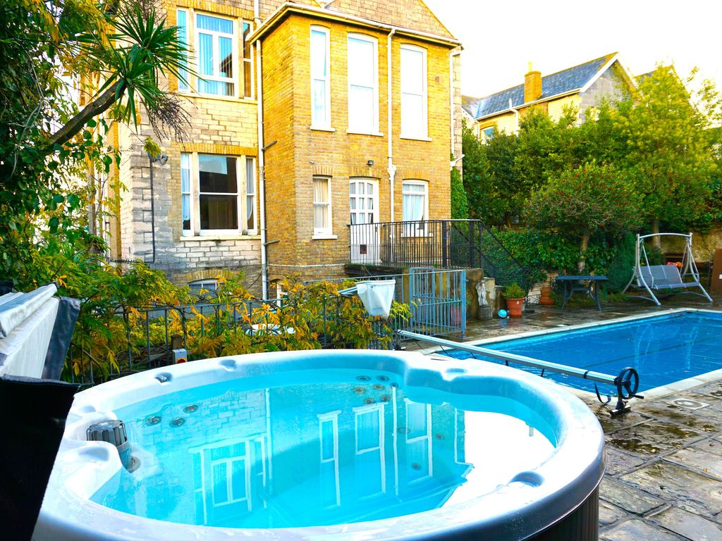 Property Image#47 BIG VICTORIAN MANSION BY SEA, LONG SANDY BEACHES, PRIVATE  HEATED