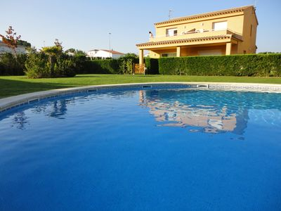 Photo for House in L'Escala with Pool 5 minutes from the beach, garden and barbecue