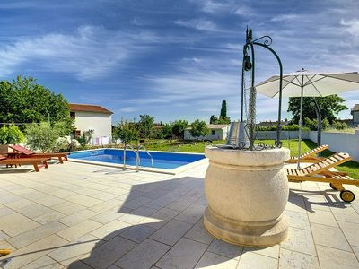 Photo for Villa with private pool, 4 bedrooms, washing machine, WiFi, air conditioning, terrace, large garden and barbecue