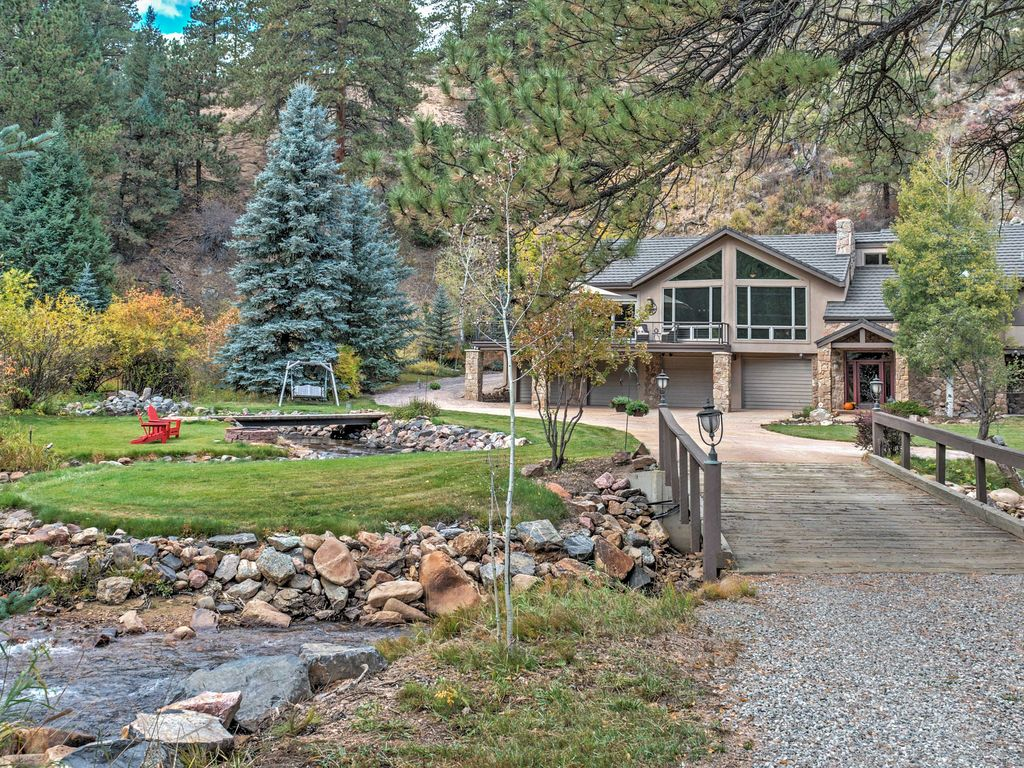 Secluded 4br evergreen home on upper bear creek for Evergreen house