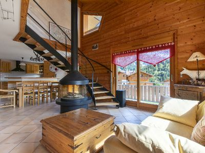Photo for apartment 10 people 10 minutes from the ski slopes