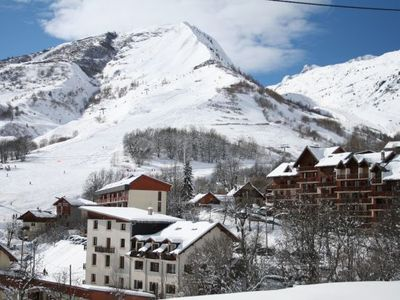 Photo for Panoramic view, village and slopes shops on site, 10O m from the slopes