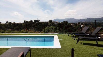 Photo for [NEW] Full sun, pool, BBQ, petanque, panoramic view