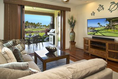 Living area completely opens to the outside lanai