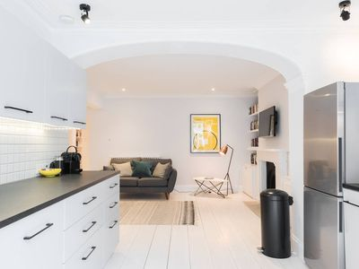 Photo for Luxurious and Spacious 2BR flat in Kensington - Two Bedroom Apartment, Sleeps 5