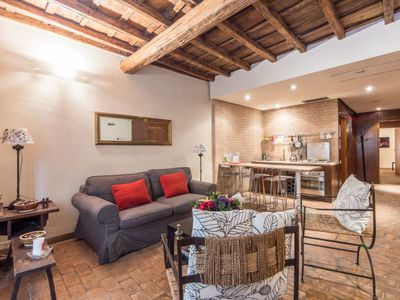 Photo for Apartment Elegant Campo dei Fiori in Roma: Piazza Navona - Campo dei Fiori - 5 persons, 2 bedrooms