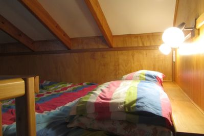 The loft bed (queen)