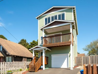 Photo for Have Fun at the Beach in This 3 bed Lincoln City Home Sleeping up to 6!