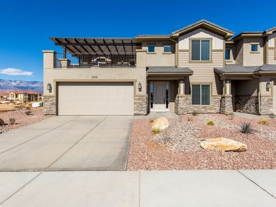 Photo for Pristine Southern Utah Retreat (Zion, Bryce, Sand Hollow) 5 Bed 4 Bath, Views