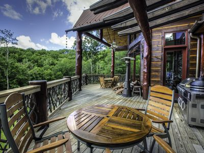 Photo for Copperleaf at Eagles Nest- Hot tub, Pool Table, Mountain Views, Summer Concerts!
