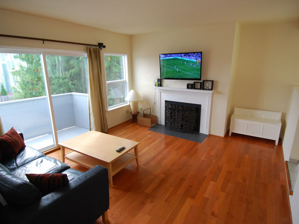 Hotellike with Parking on E Line, 203 - VRBO