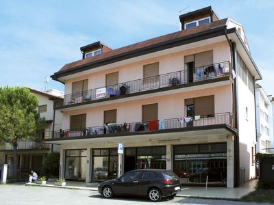 Photo for P.I.P. Lido Apartment, Sleeps 4 with Air Con