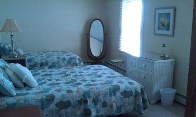 2nd bedroom, queen bed + trundle(2 twins)