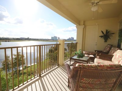 Photo for Vista Cay LakeView Penthouse. NEW! Close to all Parks, OCCC, International Drive
