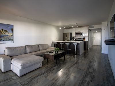 Photo for Downtown Miami   Premium One Bedroom Waterfront Condo w/Free Valet Parking