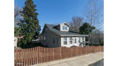 Photo for Charming Beach Cottage walking distance to the Chesapeake Beach bay.