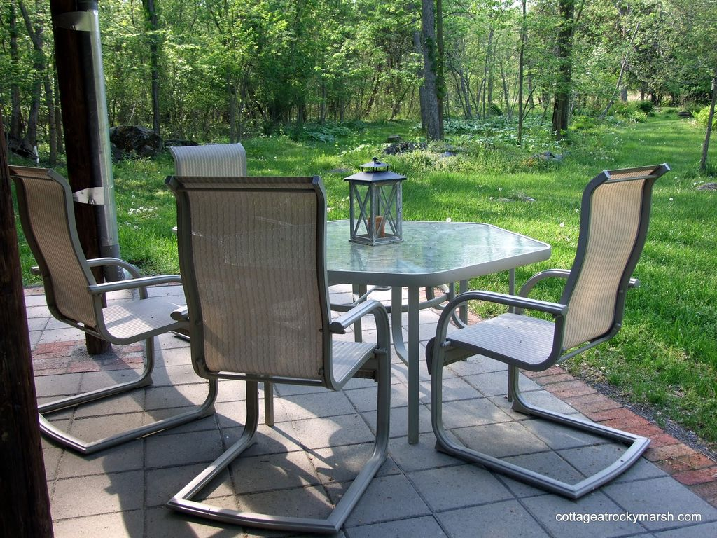 Private, Wooded Setting Convenient To Fine Dining and Shopping in Shepherdstown