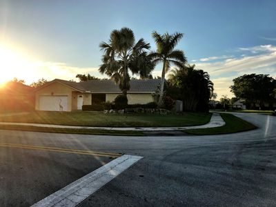 Photo for Affordable Family Home perfect for your South Florida Vacation!!