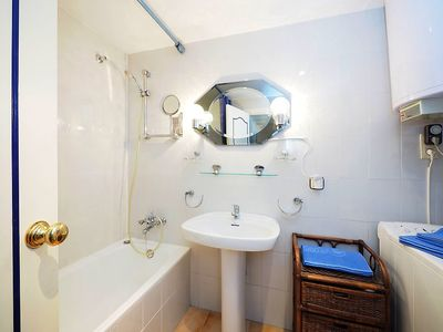 """Photo for Apartment a short walk away (218 m) from the """"Platja Empuriabrava"""" in Empuriabrava with Parking, Internet, Washing machine, Air conditioning (312909)"""
