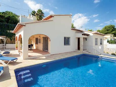 Photo for Traditional yet modern villa with pool, table tennis and barbecue, close to coastal town