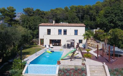 Photo for Villa 10 P. Private heated pool. Sauna. Air conditioning. Sea views. Calm. green