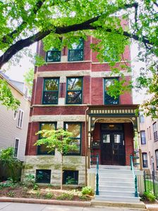 Photo for Stunning Apartment in Lakeview Wrigleyville 1 Minute to the Train