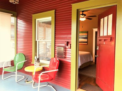 Photo for Lone Star Bungalow-WALK to the RIVERWALK &MISSIONS!