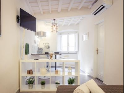 Photo for Cozy White Dome Suite in the heart of Florence