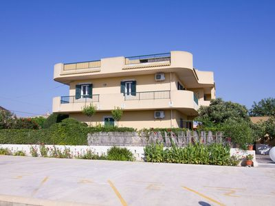 Photo for CaseSicule: Edera3 Residence with Garden and Private Parking