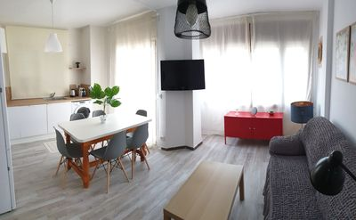 Photo for 3 bedroom apartment - in the heart of Plaça Catalunya 200m from the beach