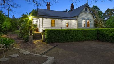 Photo for 2BR Cottage Vacation Rental in Kurrajong, NSW