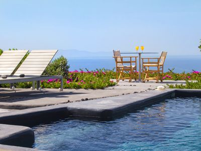 Photo for 270 Oia's View Cavehouse V with private swimming pool