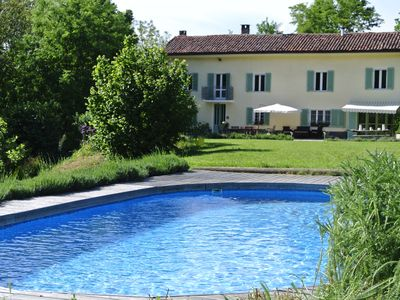 Photo for Charming farmhouse hideaway with pool near Asti