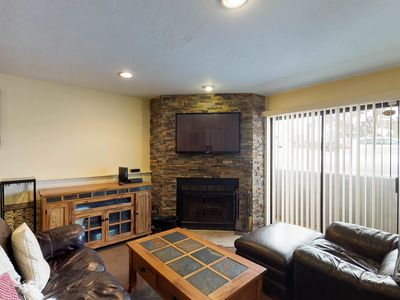 Photo for Cozy condo with fireplace and shared hot tub - close to ski lifts!