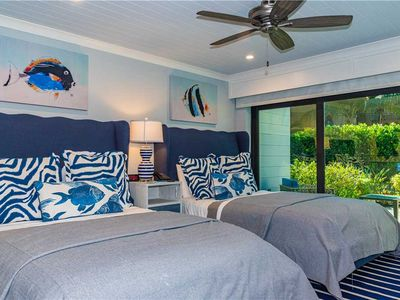Short 1-2 night stays Available! Luxury Double Queen Room - Beach Front!