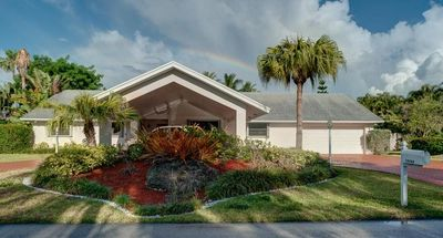 Photo for Family Friendly! Subtropical Retreat In The Heart Of Upscale Kendall, Huge Yard!