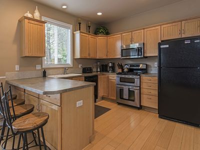 Photo for Spacious 3 Bedroom Home in Desirable Bend Neighborhood. Close to Phil's Trail