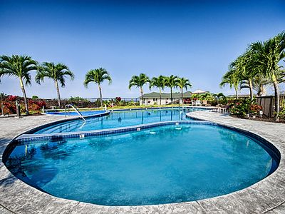 Photo for Specials! Remodeled Luxury 2 bedroom Sleeps Up To 6 People / *Cool A/C*