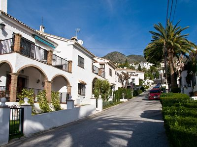 Photo for Casa Christabel - one bed apartment walk to beach, train and all amenities
