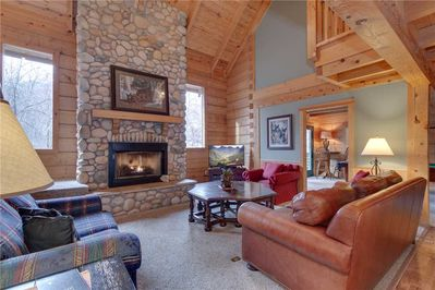 Welcome to Big Bear 2 - If you've been on the lookout for the perfect vacation rental, your search is over! Book this lovely place today to experience the vacation of a lifetime!