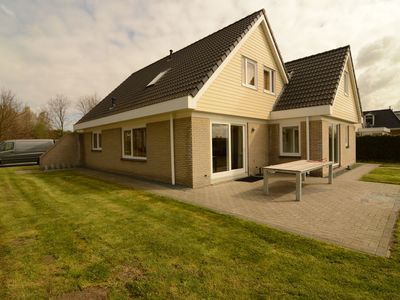 Photo for Luxurious holiday villa at lovely location in Zeewolde, Flevoland