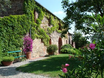Photo for Family friendly detached country house near Siena, Pets Allowed