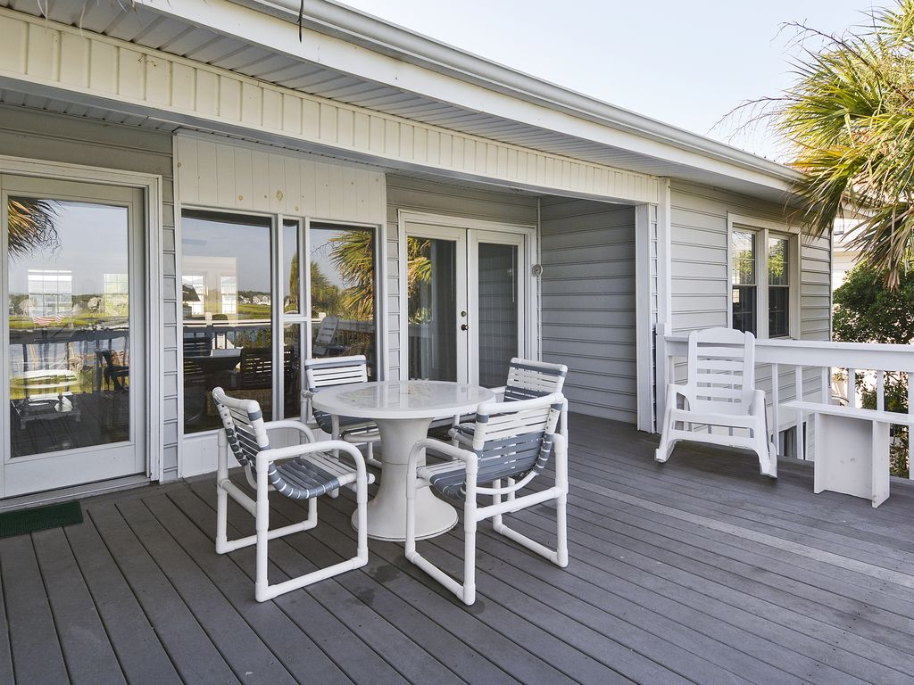 *SUMMER SPECIAL* Inlet Home w/ Free WiFi & Easy Walk to Beach